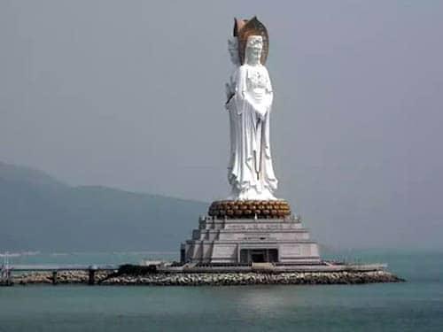 بزرگترین مجسمه ها