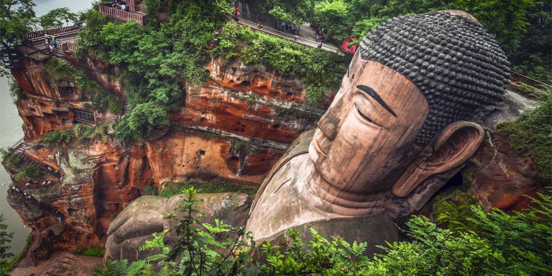 بزرگترین مجسمه بودا در جهان