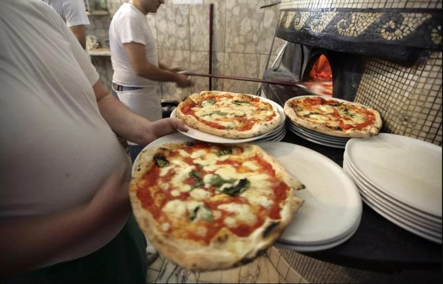 | Pizza makersinNaples JonSpaull safiran.tours