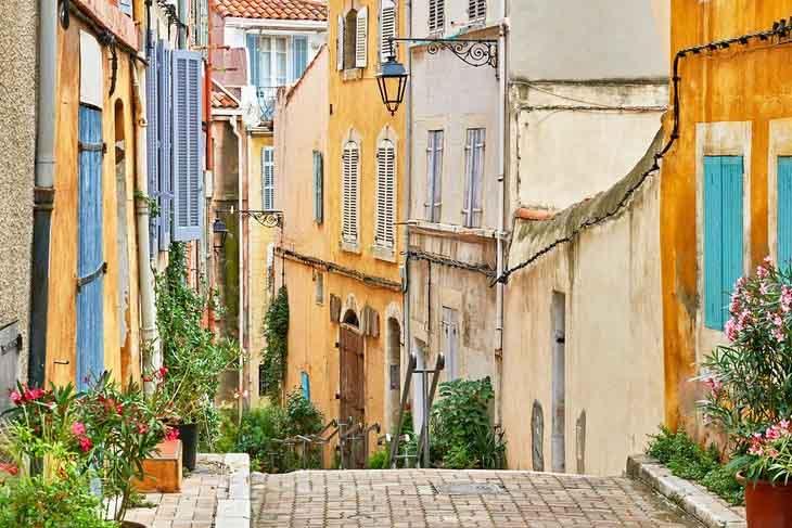 | Colorful Streets of Le Panier safiran