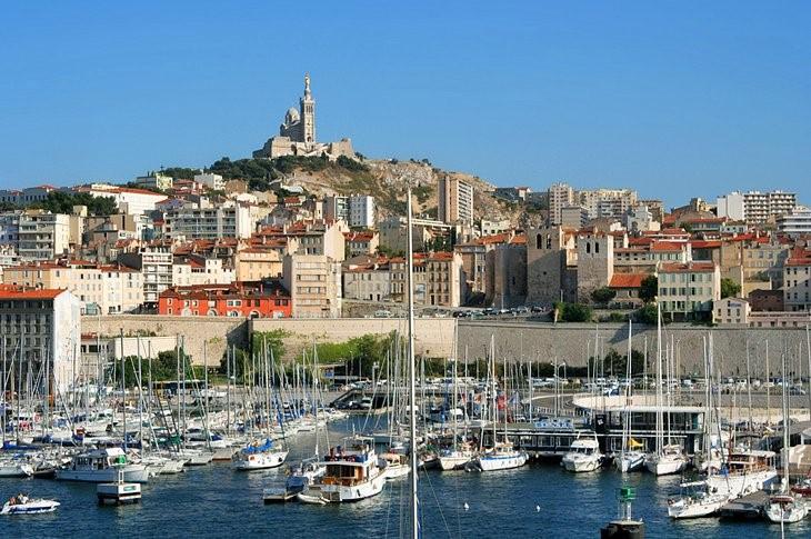 | Explore the Vieux Port  safiran