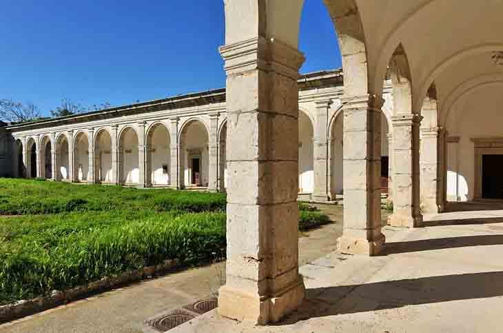   Certosa di San Giacomo safiran