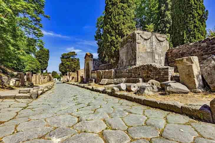 | Street of Tombs safiran